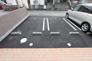コスモフリー駐車場部屋前