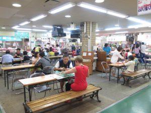 釧路和商市場食事の席