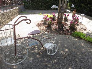2015年夏の花壇の自転車オーナメント