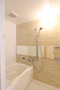 コスモクリアB105の浴室