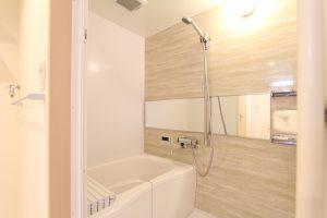 コスモクリアB201の浴室