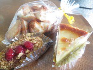 沖縄のスイーツのなつのやのケーキ