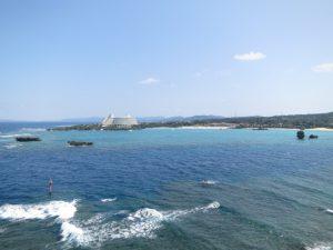 沖縄の観光の万座毛の海