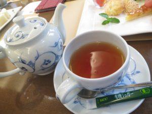 伊予灘ものがたりの食事の紅茶