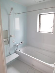 区画整理の戸建ての浴室