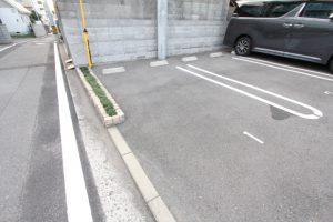 コスモガーデン リーフの来客用駐車区画