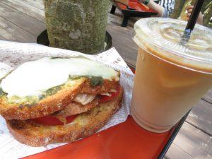 鹿児島の番所鼻自然公園のABCAFEのサンドイッチ