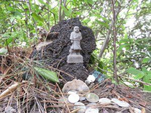 鹿児島の桜島の月読神社のミニ西郷