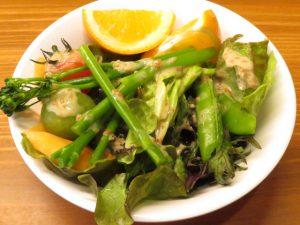 おひさま食堂のサラダ