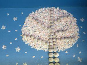 土佐清水の海のギャラリーの桜の木