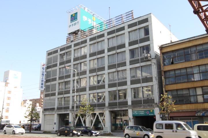 画像:伊予銀行 松山駅前支店