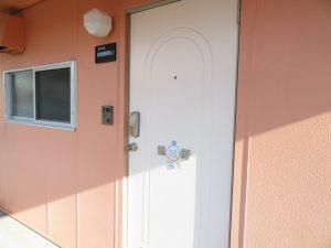 コスモクリアB206の玄関