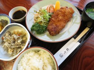 小椋千舟店の豚カツ定食