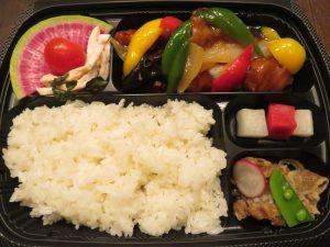 TORANOMAKIのヒレ肉酢豚弁当